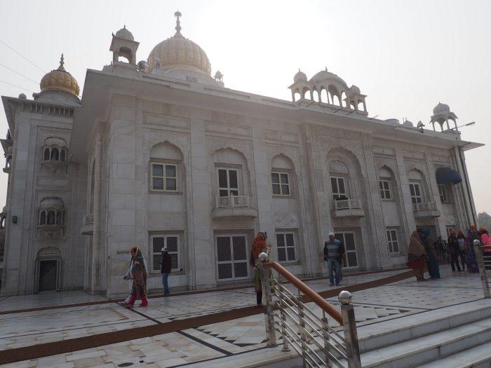 Индия (India). Дели (Dehli). Сикхский храм Гурдвара Бангла Сахиб (Gurudwara Bangla Sahib).