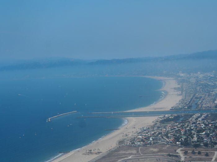 Лос Анжелес Венеция. Тихий океан. Вид с самолета.