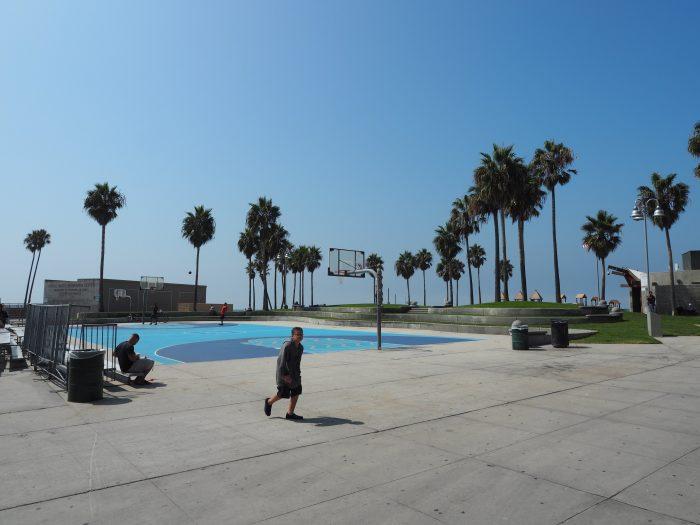 Лос Анжелес (Los Angeles). Venice Beach. Баскетбольные площадки