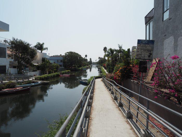 Лос Анжелес (Los Angeles). Каналы городка Венеция (Venice canals).