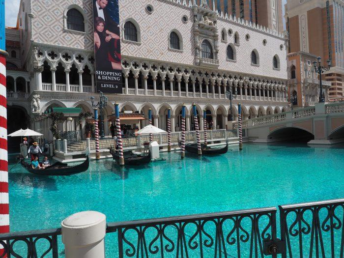 Венецианские гондолы в Лас Вегасе.