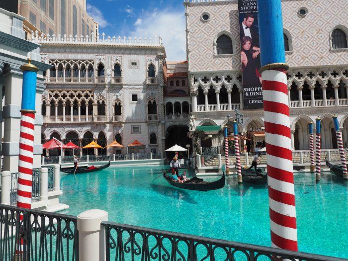 Венецианская гондола в Лас Вегасе.