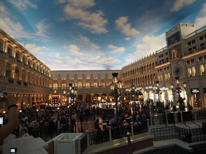 Венецианская площадь в отеле Венеция в Лас Вегасе.