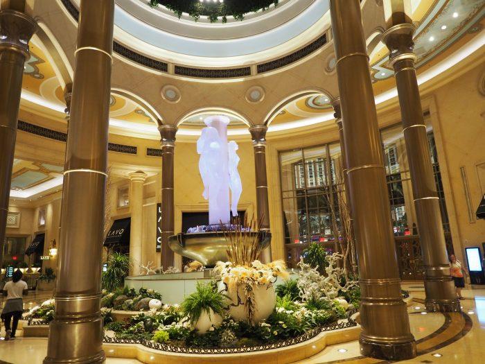 Скульптура три грации в отеле Венеция в Лас Вегасе.